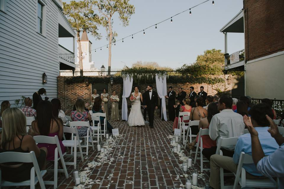 An outdoor wedding at Maison De Tours located near Lafayette Louisiana
