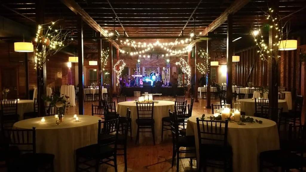 A beautiful wedding reception setup at the wedding venue The Crossing of Mervin Kahn located in Rayne, Louisiana near Lafayette, Louisiana.