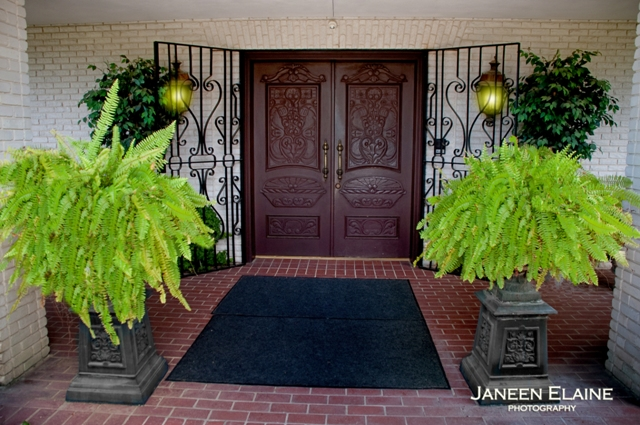 The entrance to The Manor, a wedding venue located in New Iberia, Louisiana.