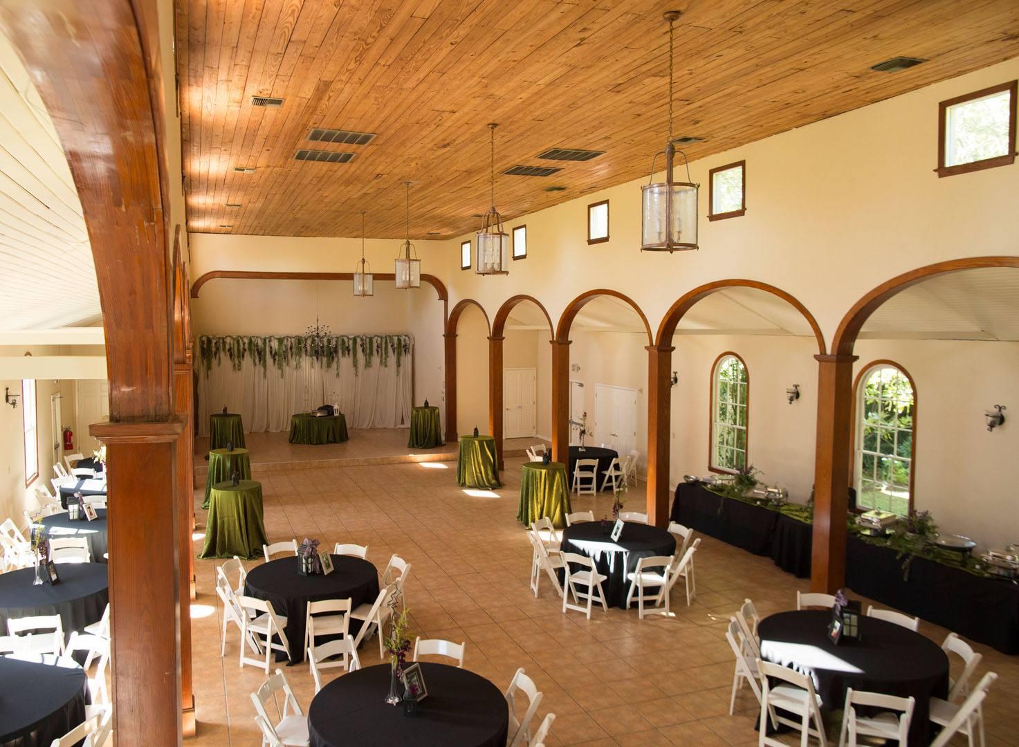 L'Eglise wedding venue photo of indoor wedding reception located near Lafayette, Louisiana
