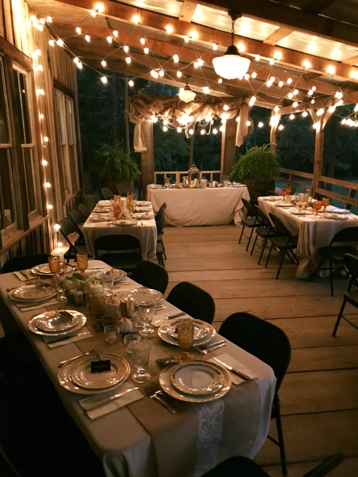 Awesome setup of a wedding reception at Cypress Grove Wedding Venue near Lafayette, Louisiana.