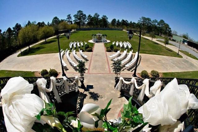 Beautiful wedding venue, The Manor in New Iberia, Louisiana, showing one of their outdoor wedding setups.