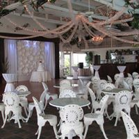 The Sunny Meade wedding venue decorated for indoor reception in Lafayette, Louisiana.