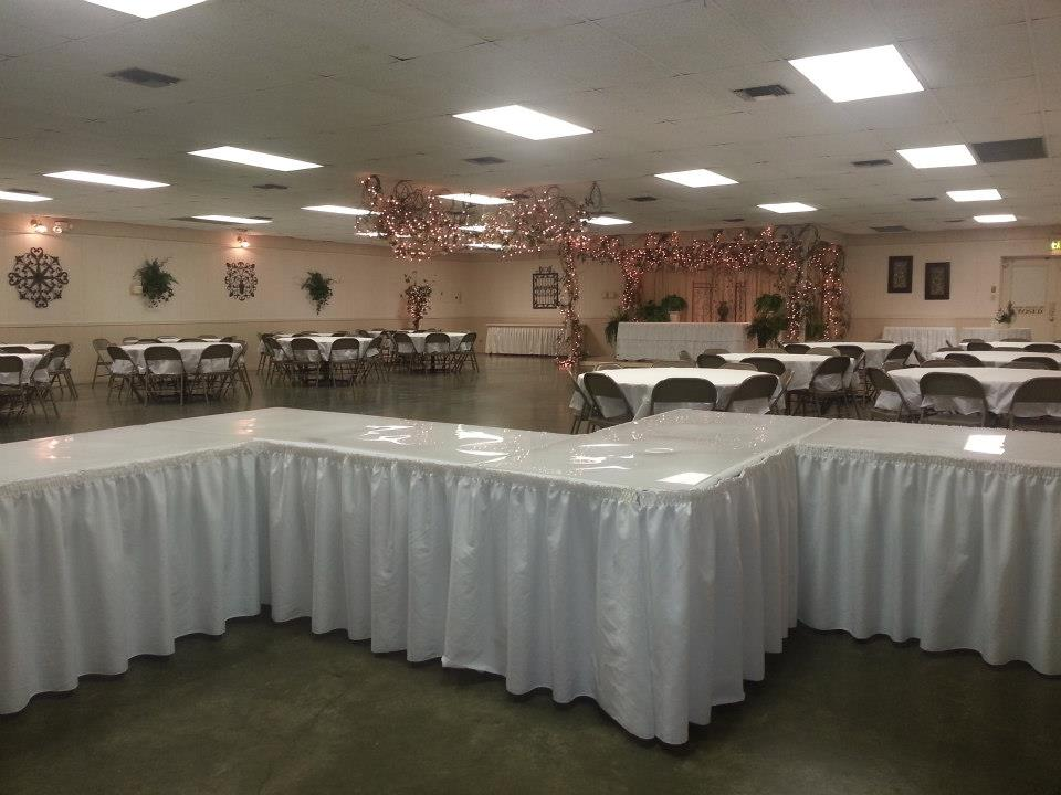 A beatiful wedding reception setup at the ladybug lodege wedding venue located near lafayette louisiana