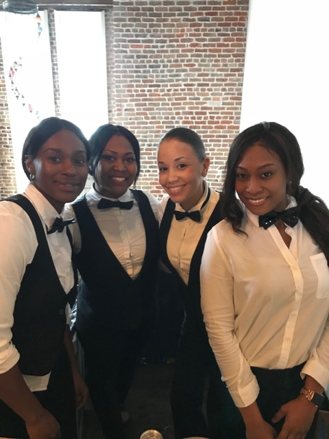 The servers with wedding vedors, Mixx Media Bartending, located in Lafayette, Louisiana.