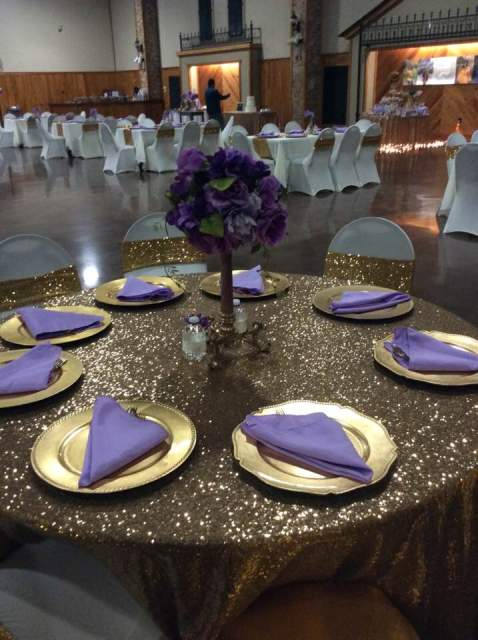 A beautiful wedding reception setup in Lafayette, Louisiana by wedding decorator Joann Cakelady.