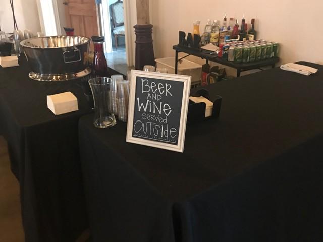 Wedding vendors in Lafayette, Louisiana, Mixx Media Bartending, wedding bar setup.