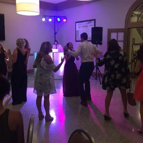 people dancing a small intimate wedding with music by Rock'N Sound Productions, a DJ near Alexandria, Louisiana.