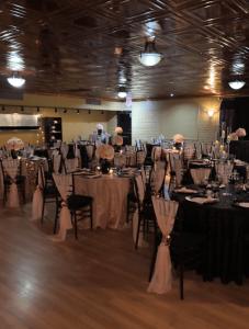 A wedding reception setup at wedding venue Maison de Temps Event Venue, a wedding venue near Lafayette, Louisiana.