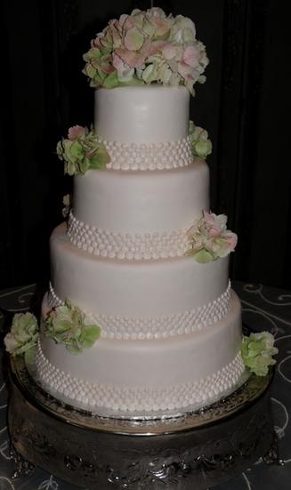 Wedding cake made by Crystal Weddings near lafayette louisiana