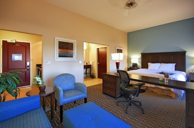Amazing king studio suite for the bride and groom to stay in after their wedding at the wedding venue Hampton Inn New Iberia, Louisiana.