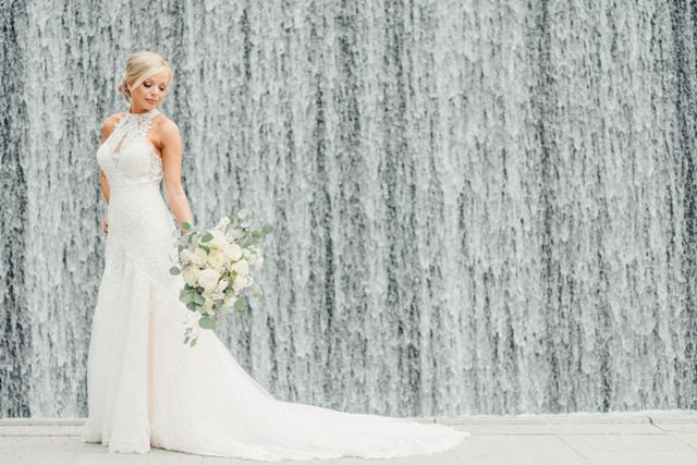 A beaufiful bridal photo taken by wedding photographer, Max Saltzman Photgraphy, located in Lafayette, Louisiana.