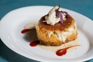 A beautiful presentation of Louisiana Crab Cake by wedding caterer Bon Temp Grill, located near Lafayette, Louisiana.