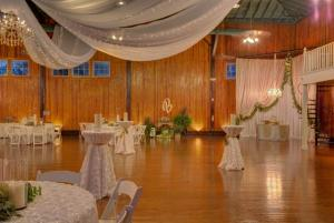 A lovely wedding reception setup at the wedding venue, The Madison, located in Lafayette, Louisiana.