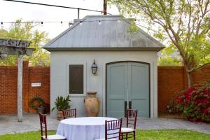 The Magdalen Place wedding venue courtyard, a perfect place for outdoor weddings near Lafayette, Louisiana.