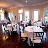 Awesome wedding reception setup at wedding venue Esprit de Coeur near Lafayette, Louisiana.