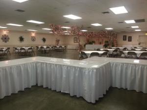 A beatiful wedding reception setup at the ladybug lodege wedding venue located near lafayette louisiana