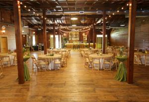 A wedding venue warehouse 535 decorated for a wedding reception in lafayette louisiana