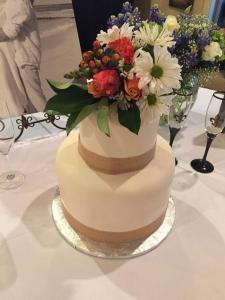 A Taste of Heaven wedding cake 3