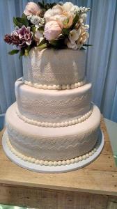 A Taste of Heaven wedding cake 4